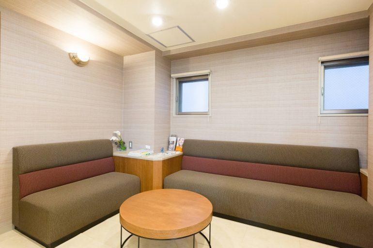 待合室|石川町のマリーンデンタルクリニック